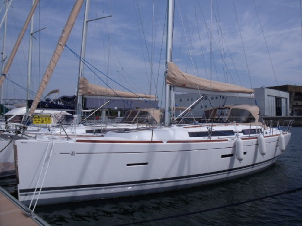 Rent a Dufour Dufour 405 Grand Large Galicia