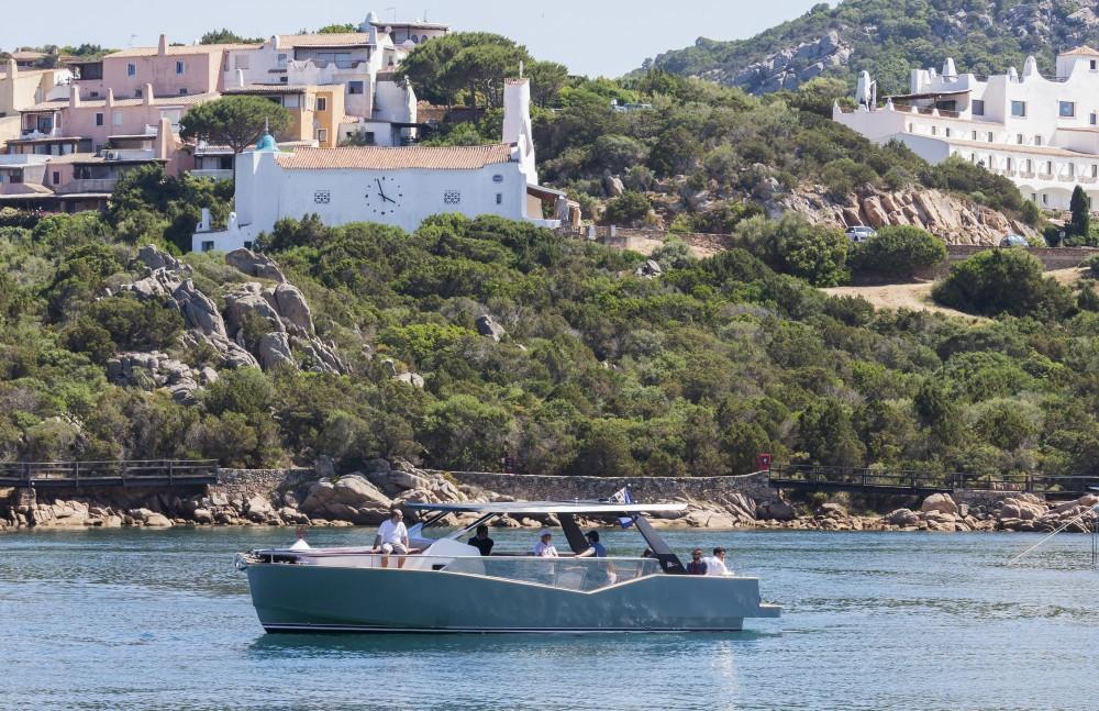 Boat rental  Luxi 33 in Olbia on Samboat