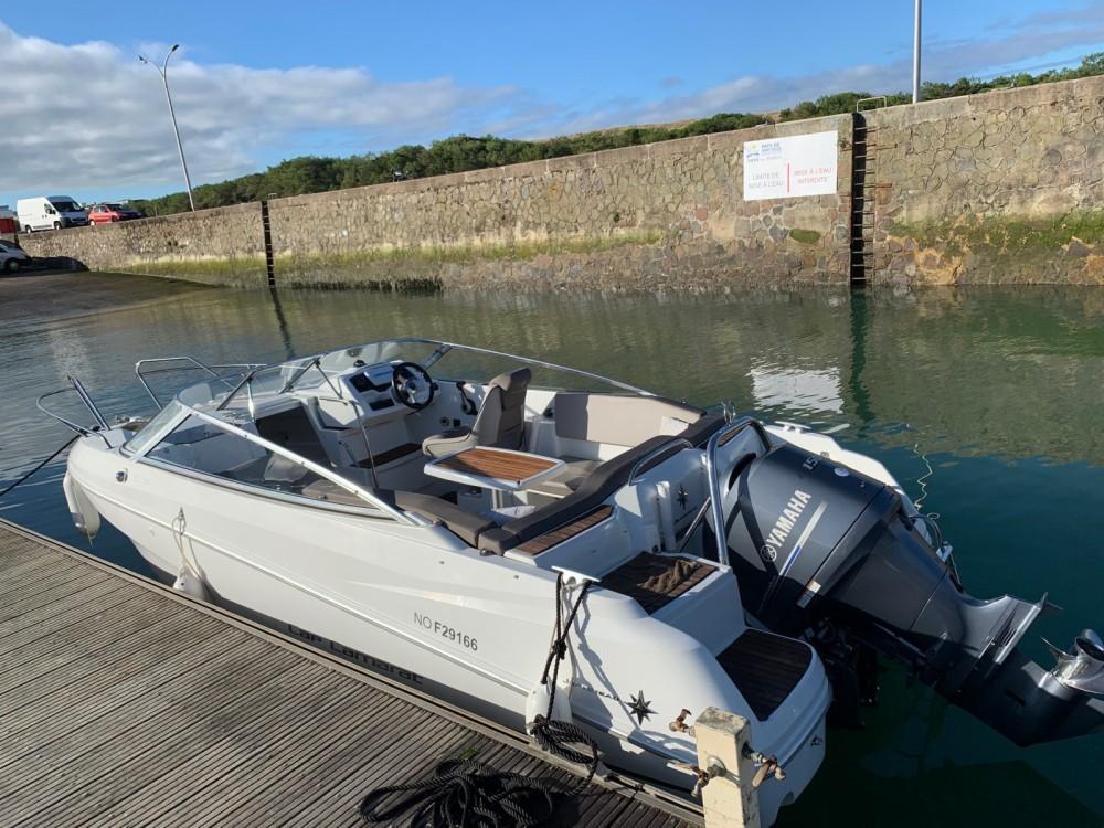 Boat rental Saint-Gilles-Croix-de-Vie cheap Cap Camarat 6.5 DC Serie 2