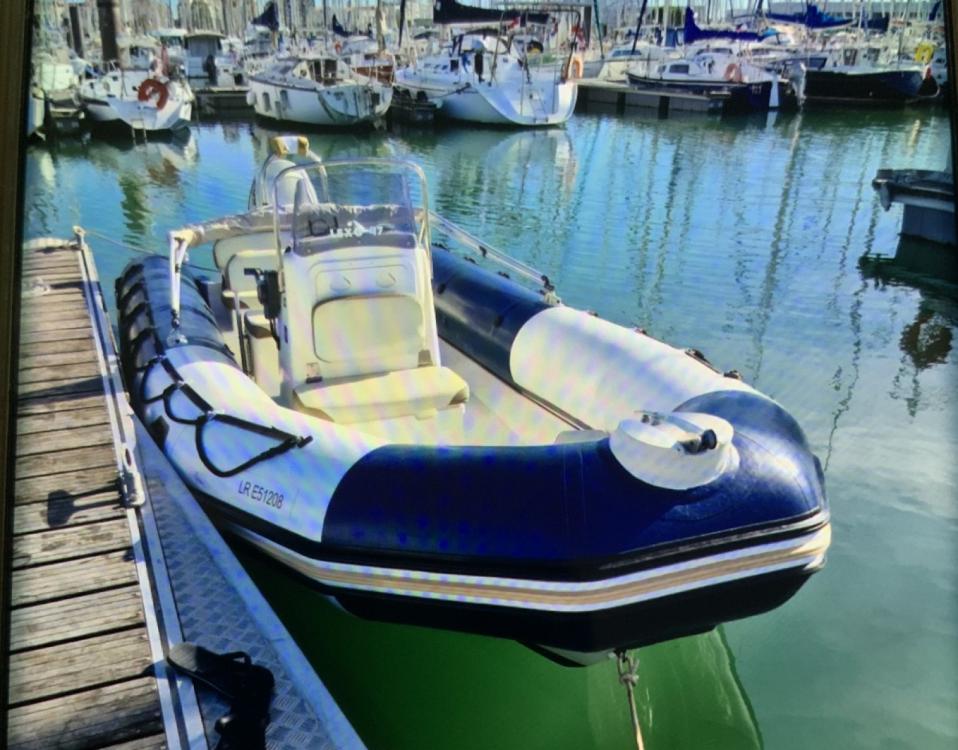 Bombard Sunrider 650 Bleu between personal and professional La Rochelle