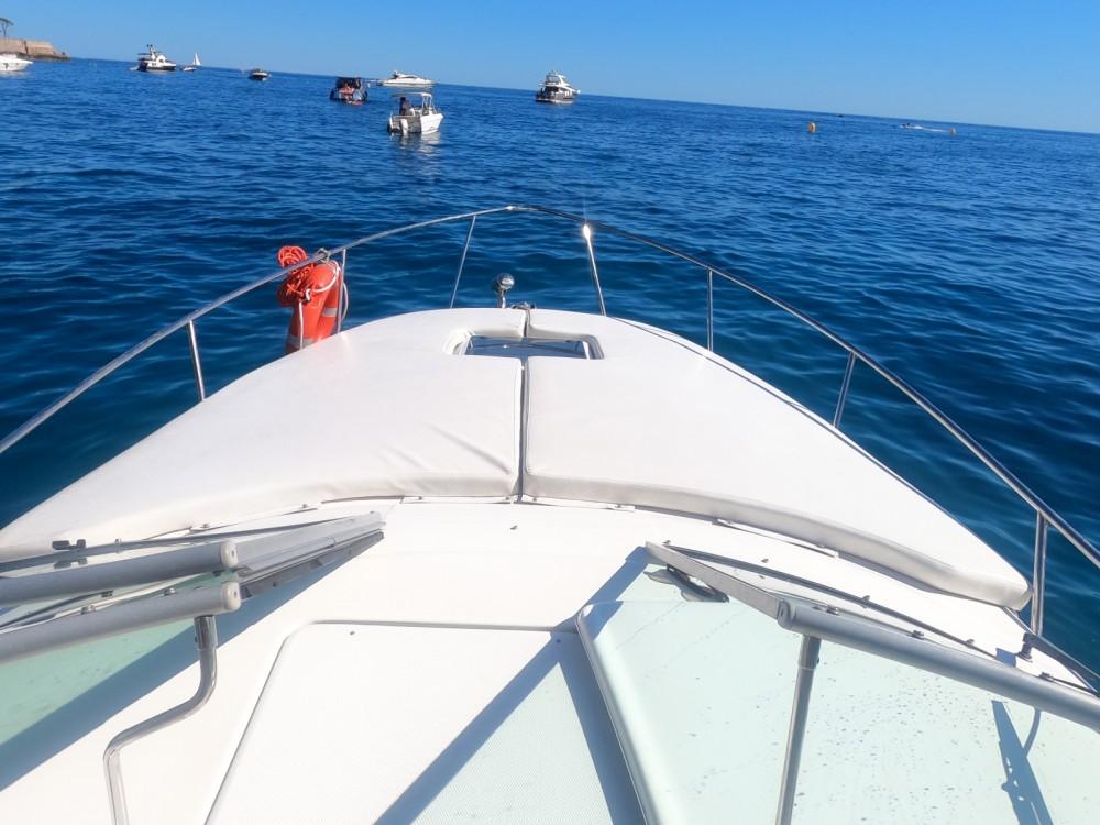 Sea Ray Sundancer 315 between personal and professional Beaulieu-sur-Mer