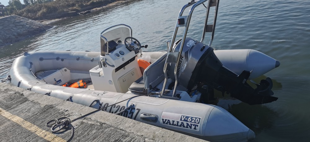 Hire RIB with or without skipper Valiant Vannes