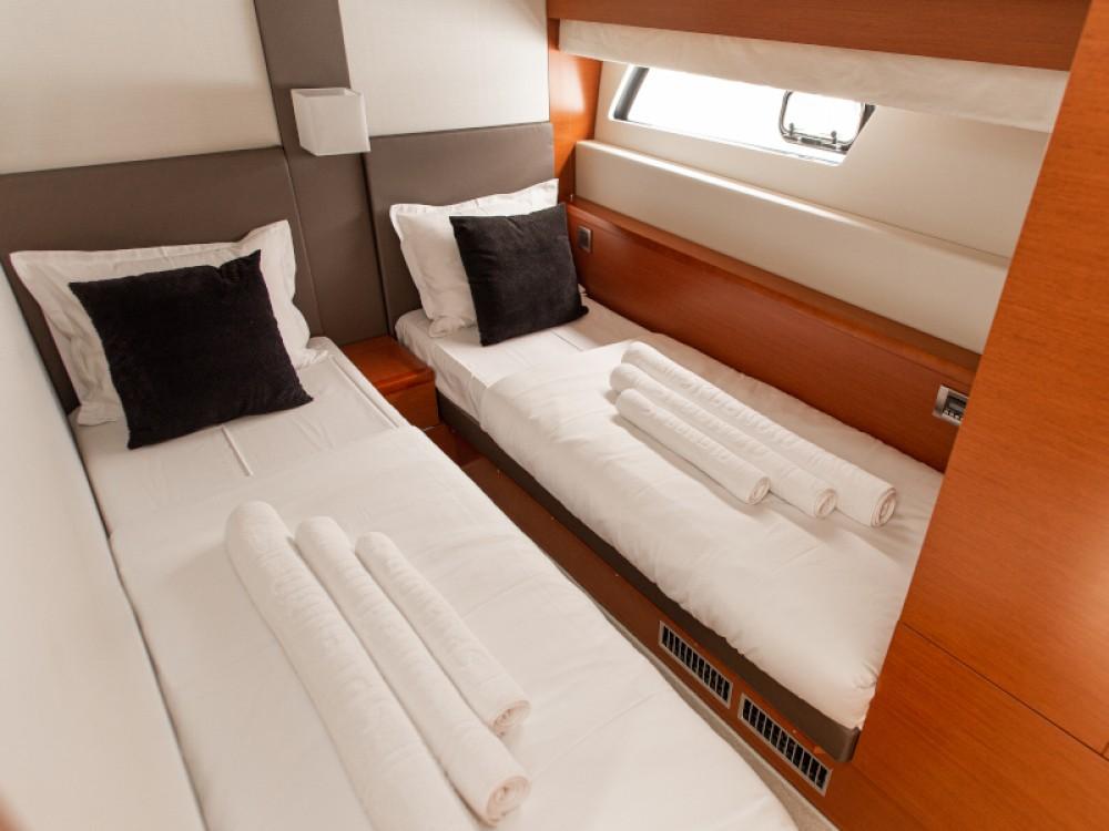 Rental yacht Šibenik - Jeanneau Prestige 550S on SamBoat
