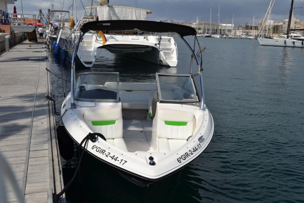 Boat rental Régal 1900 in Alicante on Samboat