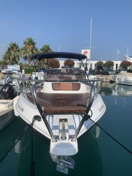 Rental Motorboat Aquabat with a permit