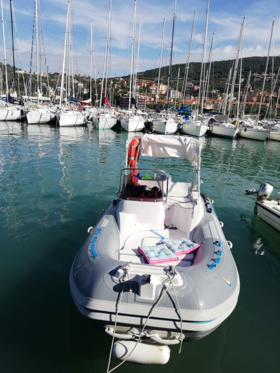 Hire RIB with or without skipper Sacs Rapallo