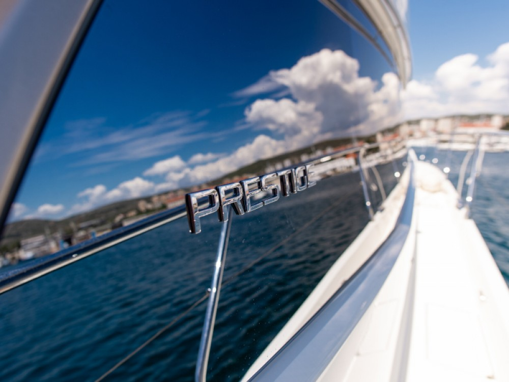 Rental Motorboat in Šibenik - Jeanneau Prestige 550S