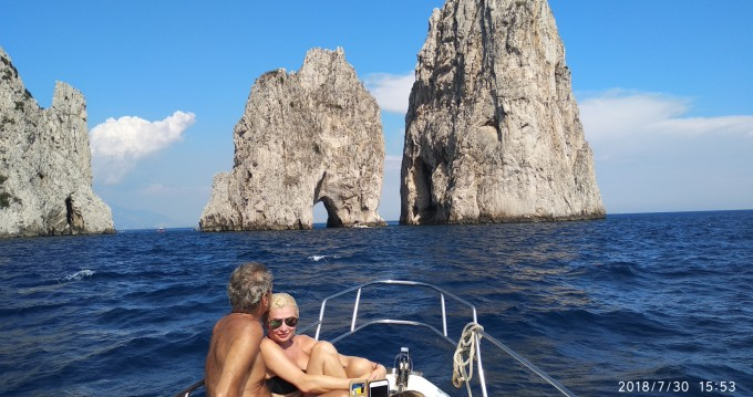 Boat rental Positano cheap Mochi craft 33 Fly