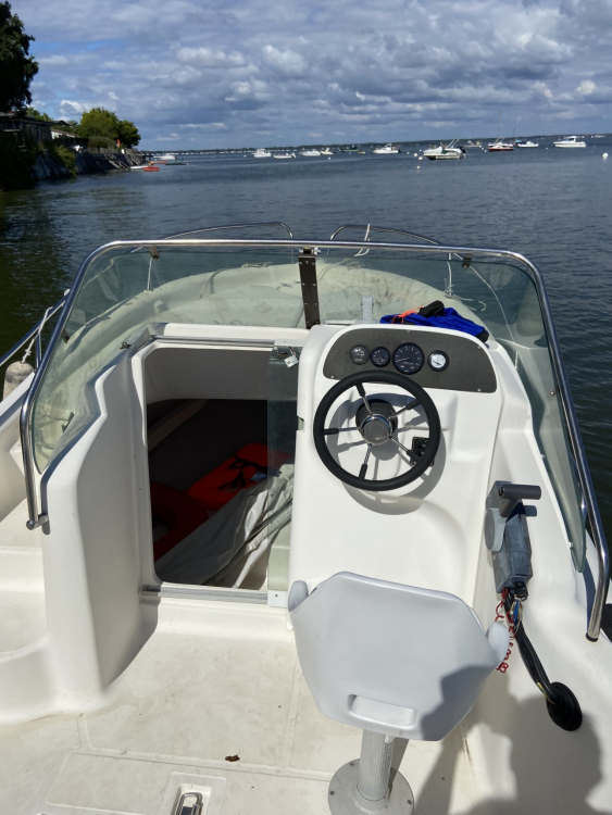Rental Motorboat Mls with a permit
