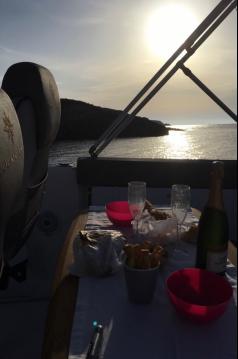 Rental Motorboat in Saint-Florent - Jeanneau Cap Camarat 7.5 WA Serie 2