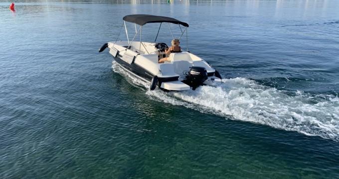 Rental yacht Badia de Santa Ponça - Bayliner element E 5 on SamBoat