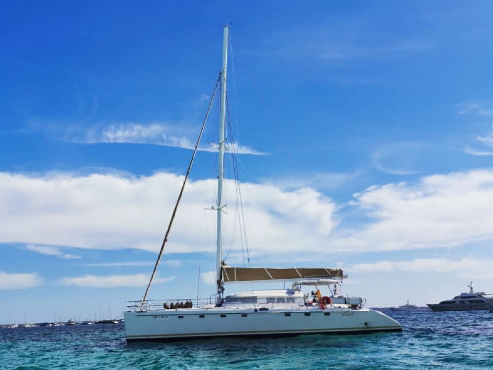 Boat rental Fountaine Pajot Marquises 56 in Gavà on Samboat