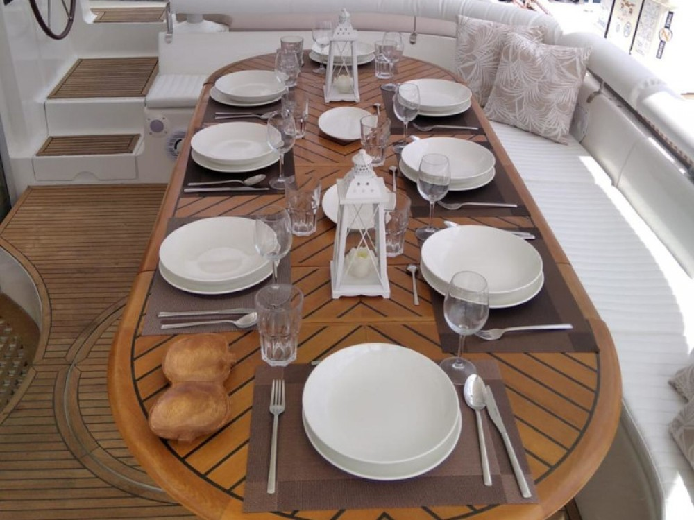 Hire Catamaran with or without skipper Fountaine Pajot Gavà
