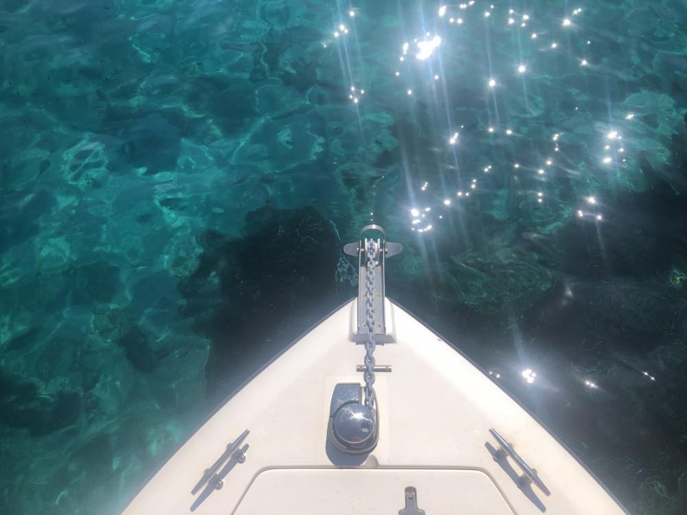 Rental yacht Grimaud - Intrepid 32 on SamBoat