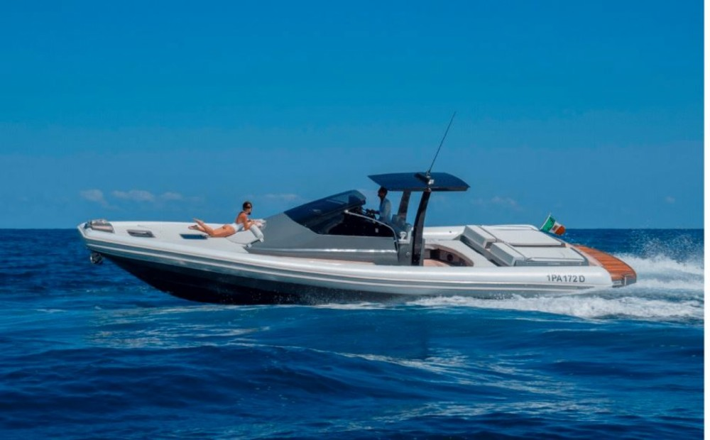 Hire Motorboat with or without skipper Magazzu