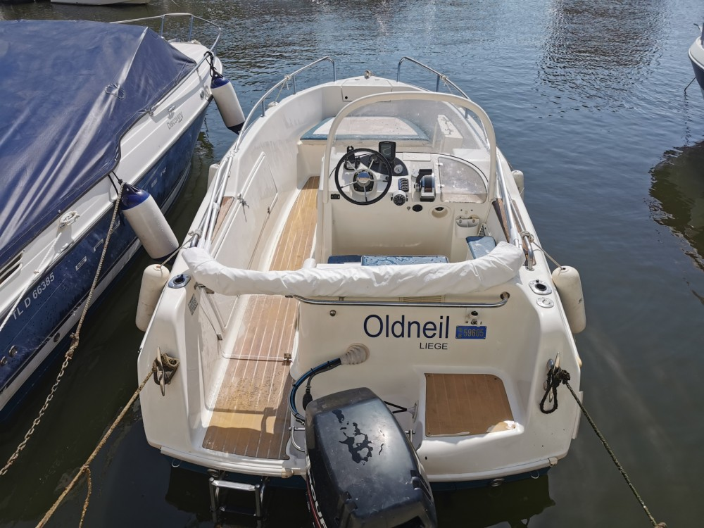 Motorboat for rent Mandelieu-la-Napoule at the best price