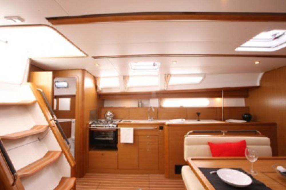 Boat rental Jeanneau Sun Odyssey 44i in Peloponnese on Samboat