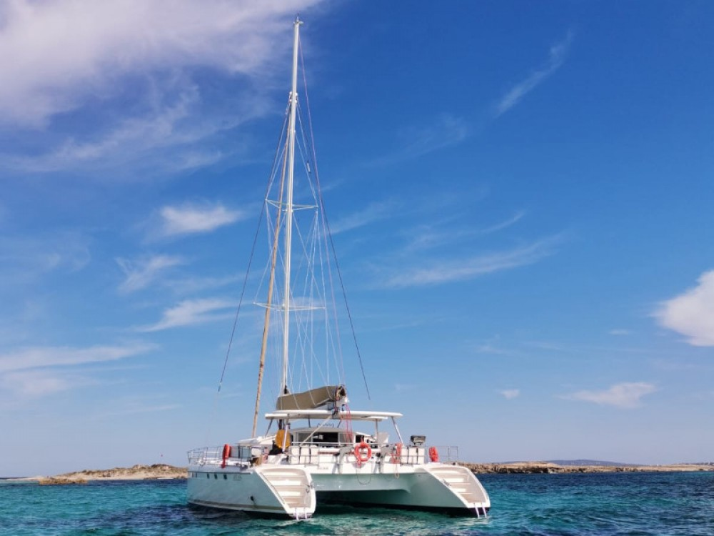 Rental Catamaran in Gavà - Fountaine Pajot Marquises 56