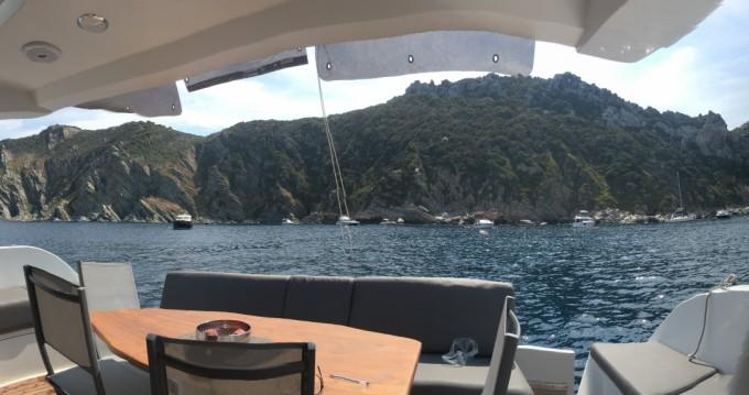 Rental Motorboat Mochi Craft with a permit