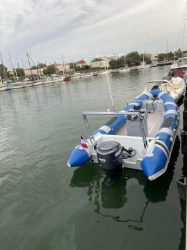 Boat rental Tarpon DV 75 in Canet-en-Roussillon on Samboat