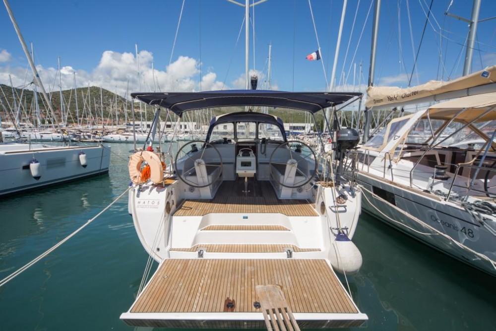 Rental yacht Cos - Bavaria Bavaria Cruiser 46 on SamBoat