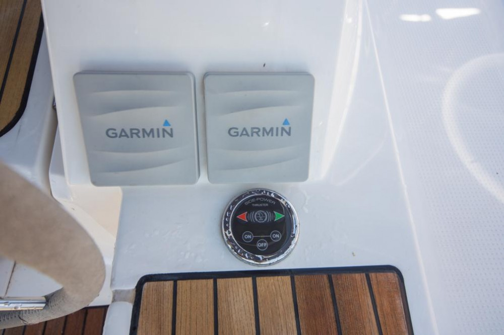 Hire Sailboat with or without skipper Bavaria Cos