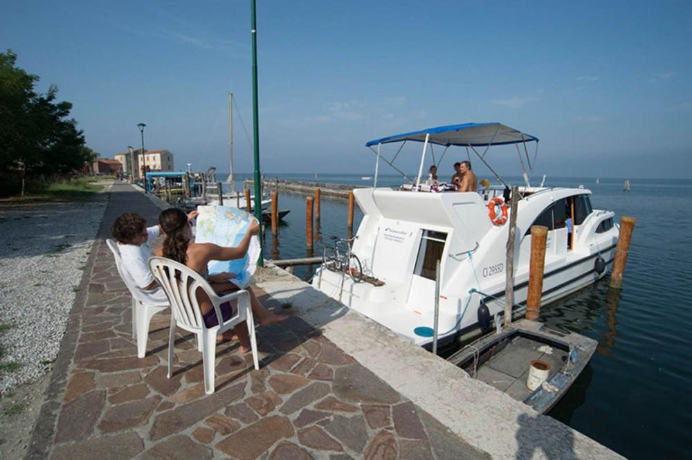Rental yacht Casale sul Sile - Houseboat Holidays Italia srl Minuetto6+ on SamBoat