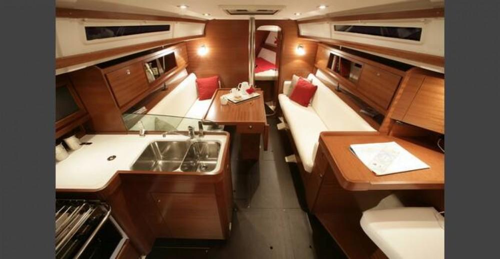 Rental yacht Arzal - Dufour Dufour 34 E Performance on SamBoat