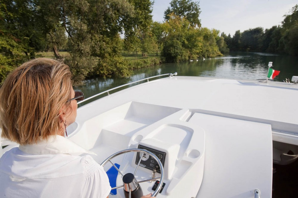 Canal boat for rent Casale sul Sile at the best price