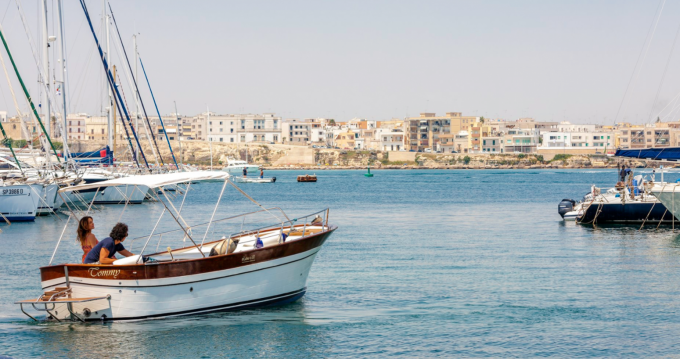 Motorboat for rent Otranto at the best price