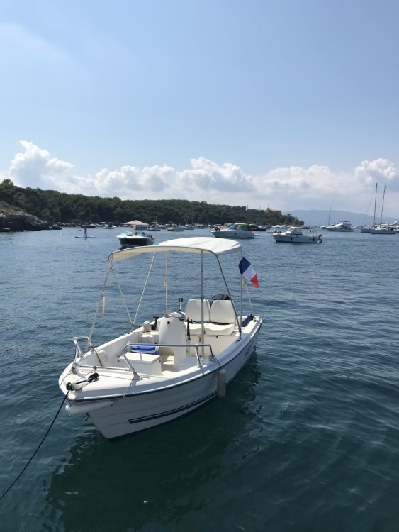 Boat rental Cannes cheap Quicksilver 440 Fish