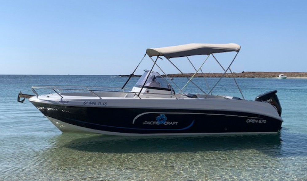 Rental Motorboat in Ibiza - Pacific Craft Pacific Craft 670 Open