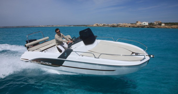 Motorboat for rent Le Barcarès at the best price