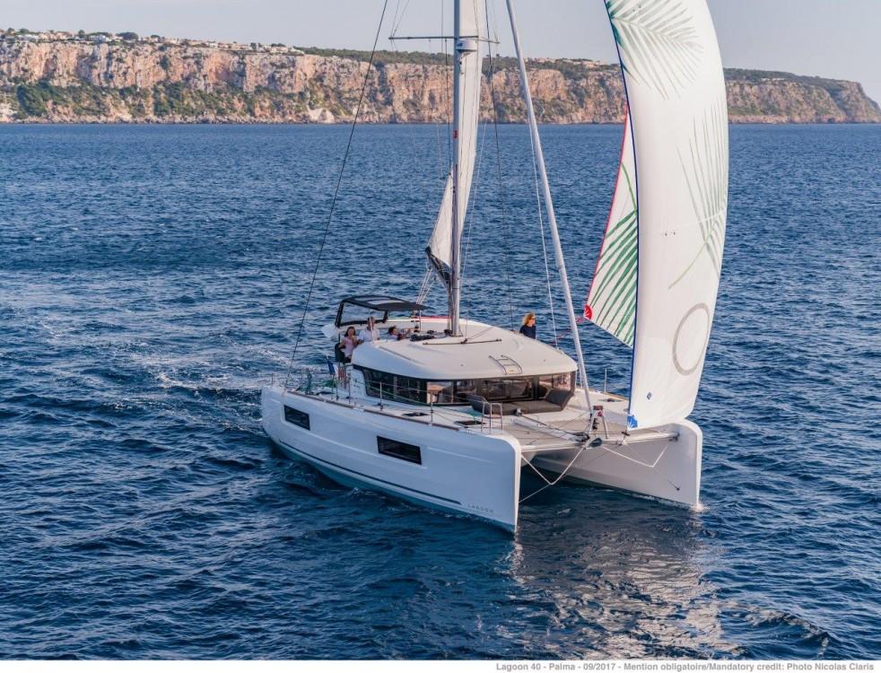 Rental Catamaran in Šibenik - Lagoon Lagoon 40 - 4 + 2 cab