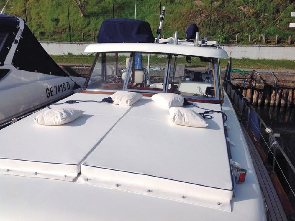 Rental Motorboat Picchiotti with a permit