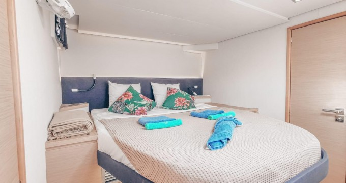 Rental yacht Eden Island - Fountaine Pajot Saba 50 on SamBoat