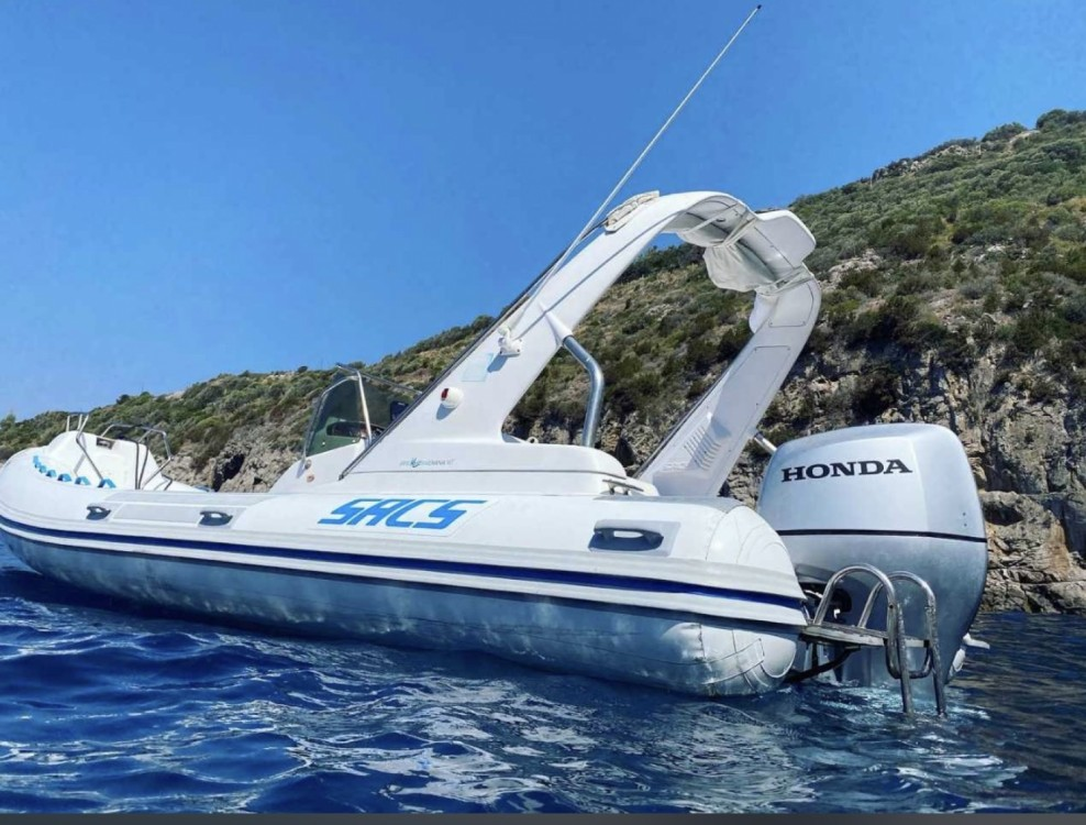 Boat rental Sacs 680 ghost  in Castellammare di Stabia on Samboat