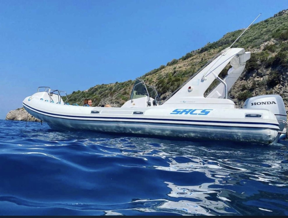 Boat rental Castellammare di Stabia cheap 680 ghost