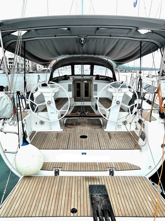 Rent a Bavaria Bavaria Cruiser 41S Pirovac