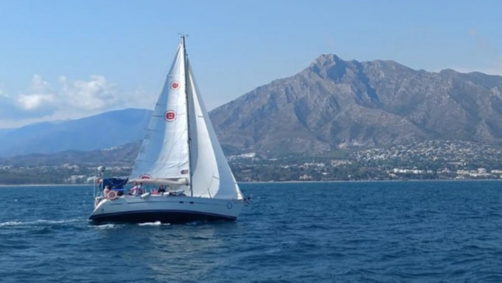 Rental Sailboat in Marbella - Bavaria Bavaria 350