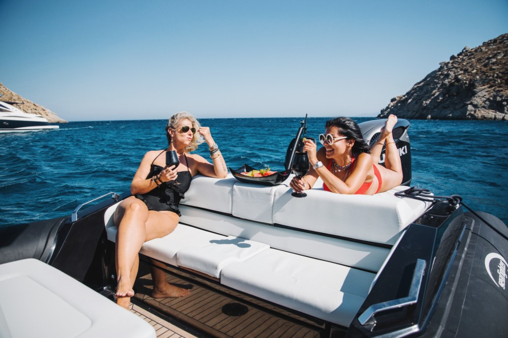 Boat rental Ano Mera cheap Ultimeight 30ft