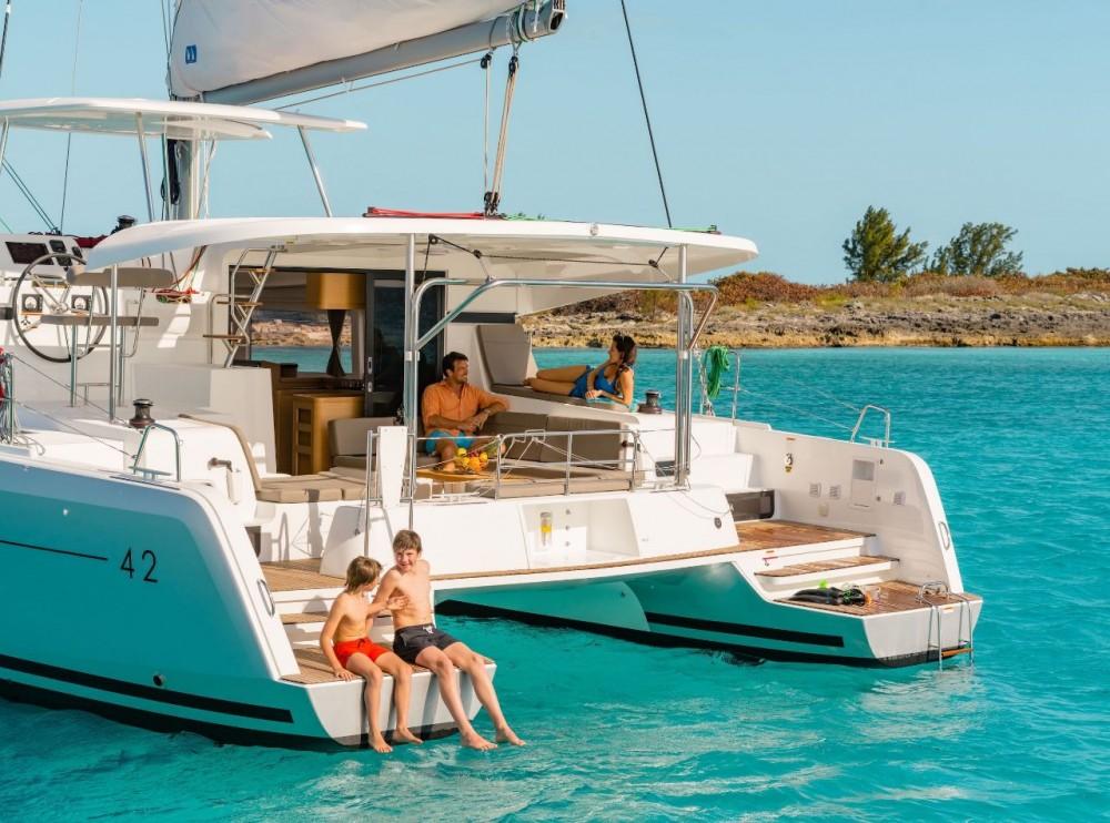 Rental yacht Bahamas - Lagoon Lagoon 42 - 4 + 2 cab. on SamBoat