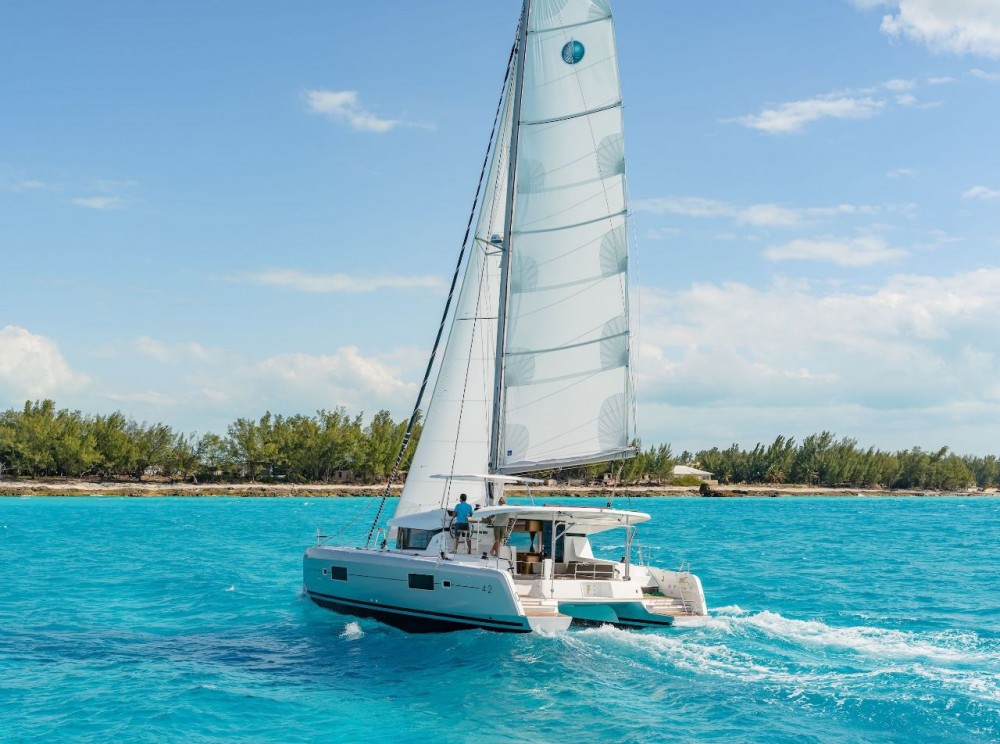 Rental Catamaran in Bahamas - Lagoon Lagoon 42 - 4 + 2 cab.