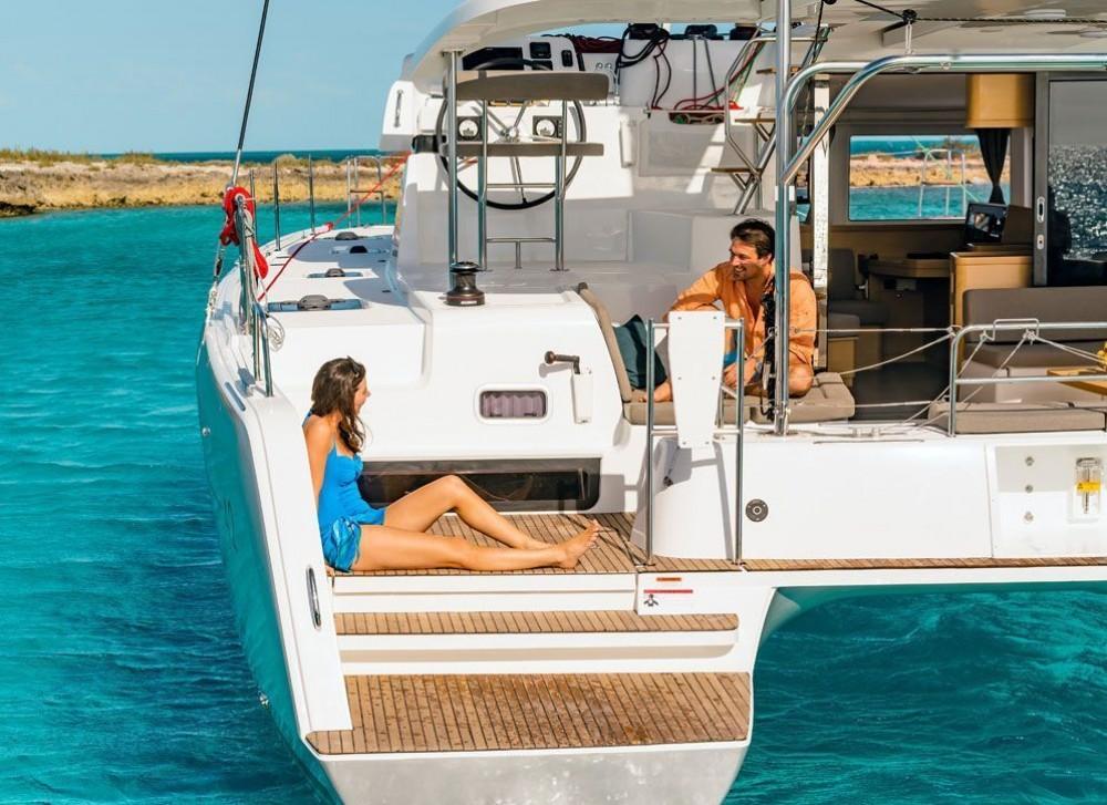 Rent a Lagoon Lagoon 42 - 4 + 2 cab. Bahamas