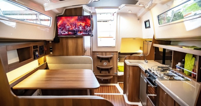Motorboat for rent Braunsbedra at the best price