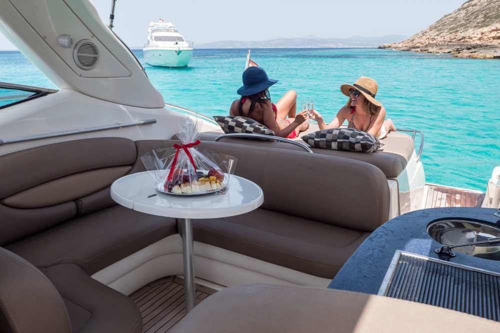 Boat rental Cranchi Endurance 41 in Palma on Samboat