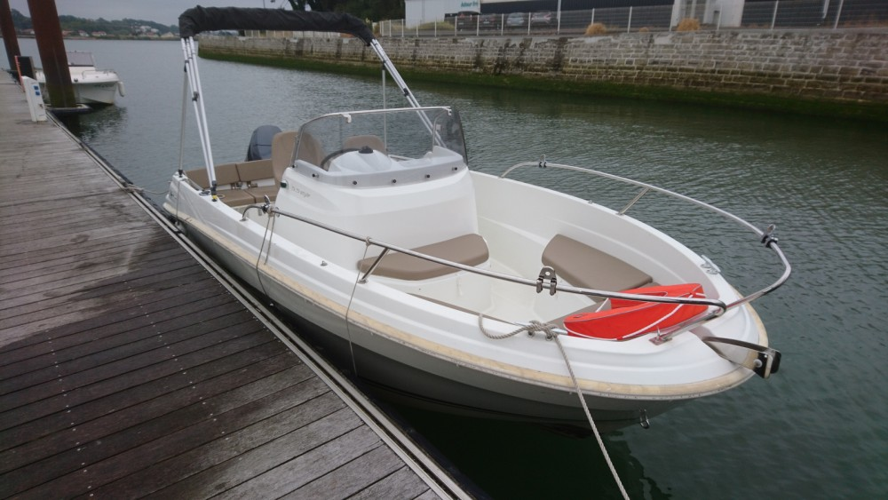 Jeanneau Cap Camarat 550 Style between personal and professional Anglet