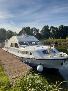 Boat rental BROWN SHANNON STAR in Long on Samboat