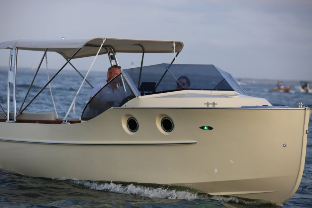 Boat rental Arcachon cheap 700 Cabine