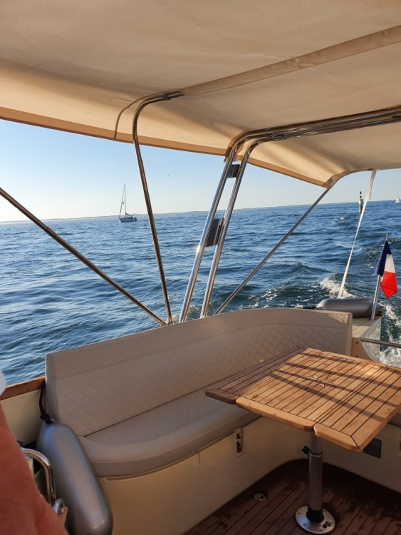 oudhuijzer 700 Cabine between personal and professional Arcachon